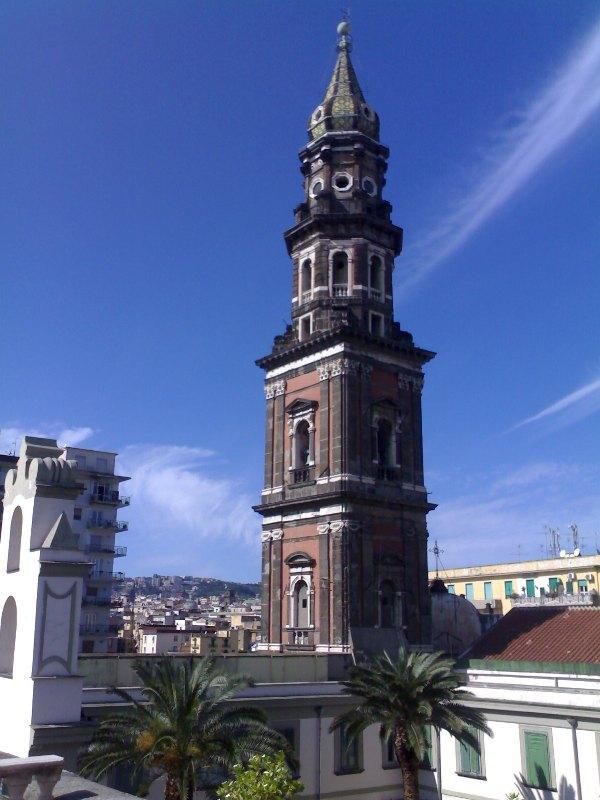 Campanile_della_Basilica_del_Carmine_Maggiore