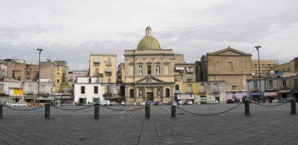piazza-Mercato-napoli