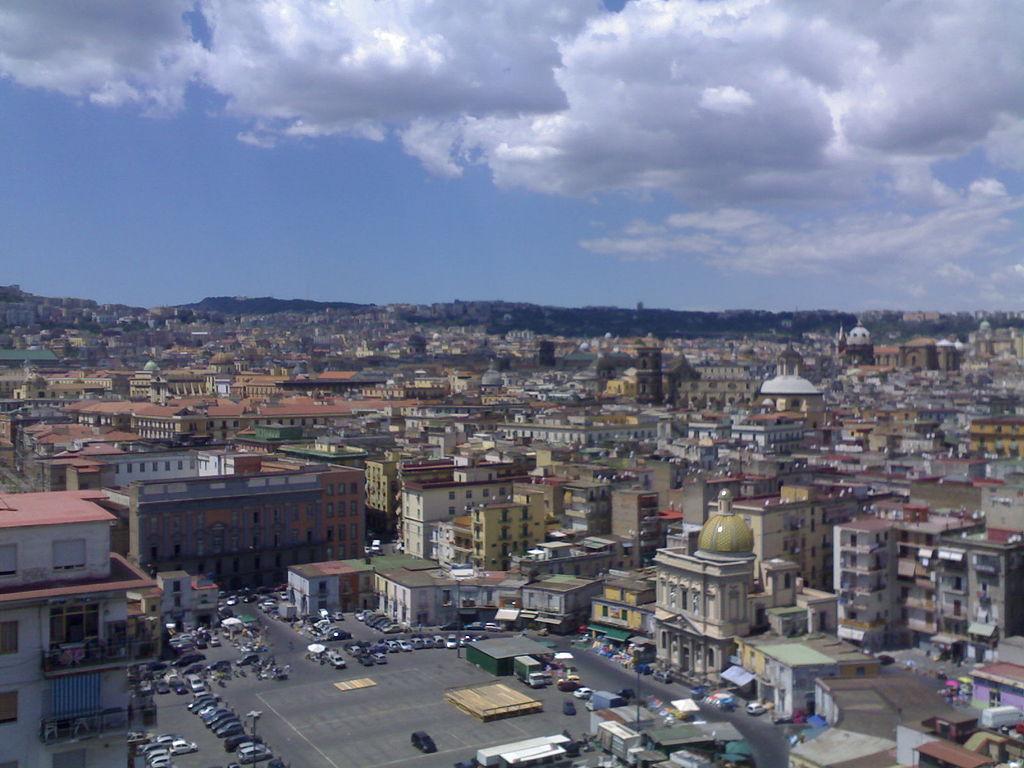 1024px-piazza_mercato